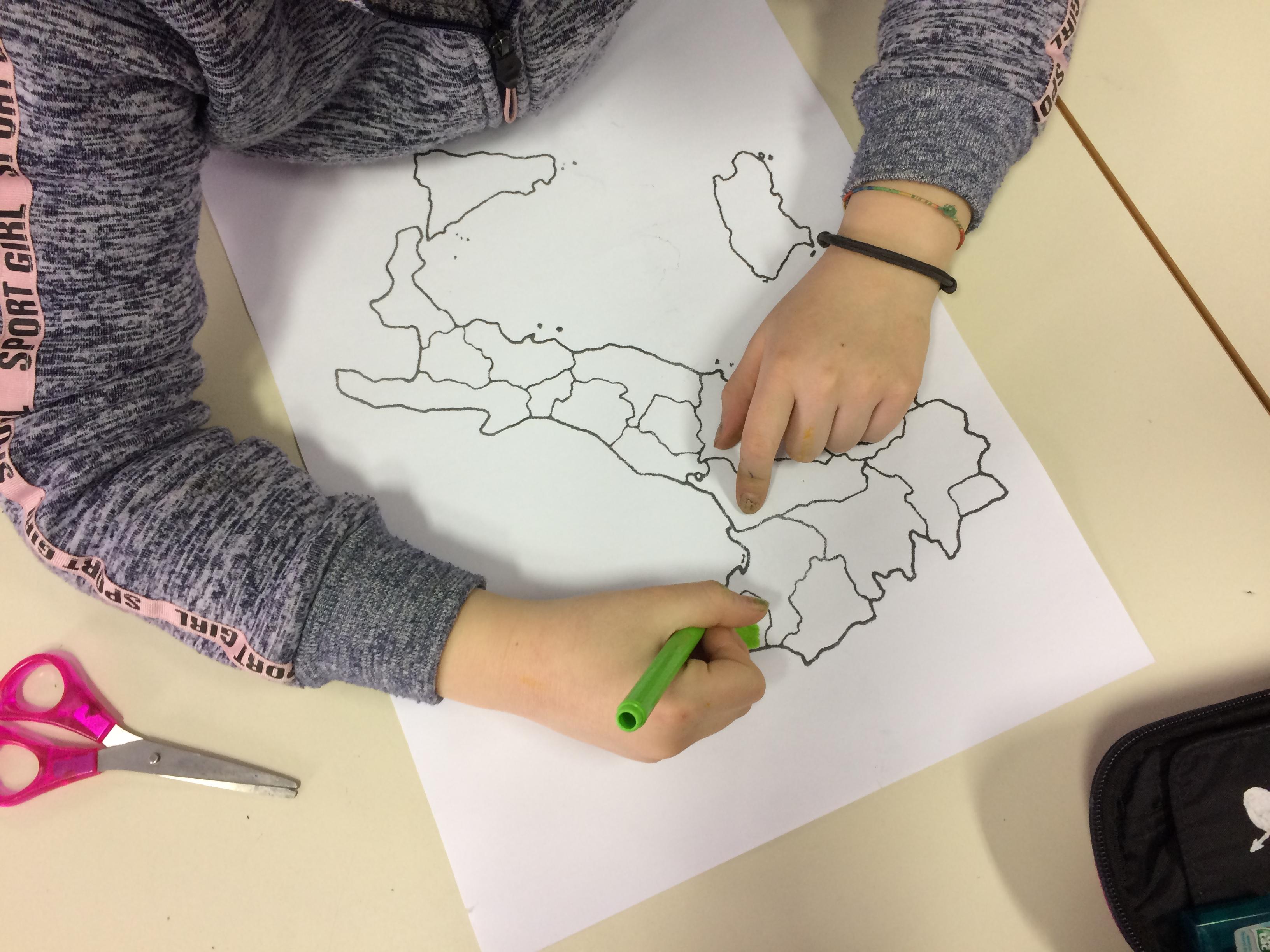 Cartina Muta Italia Regioni E Capoluoghi Da Stampare.Sapientino Regioni E Capoluoghi Classe 5a Maestramarta